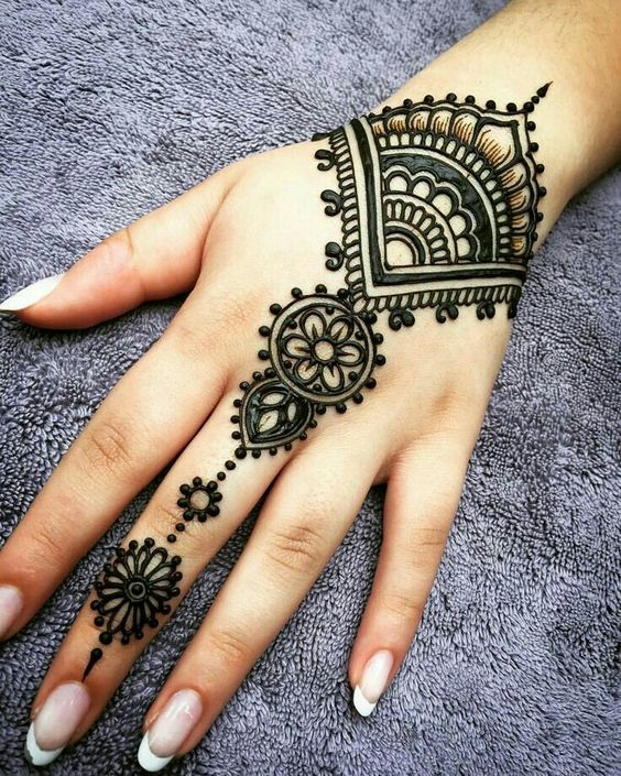 Latest arabic mehendi design